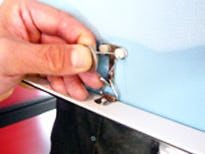 パネル用転倒防止フックの取り付け方法2